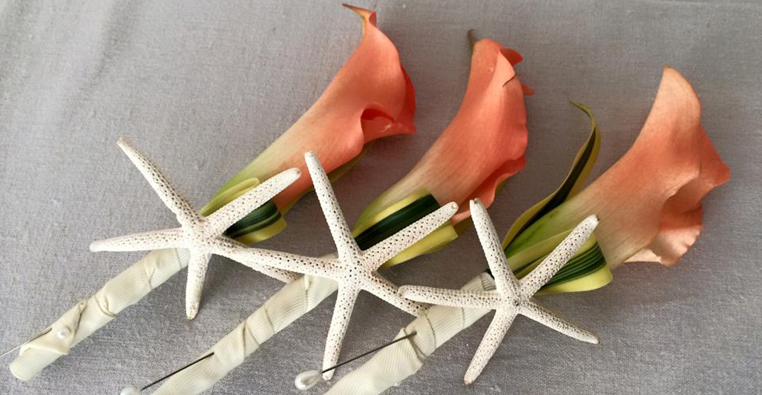 Calla Lilly boutonnieres with star fish